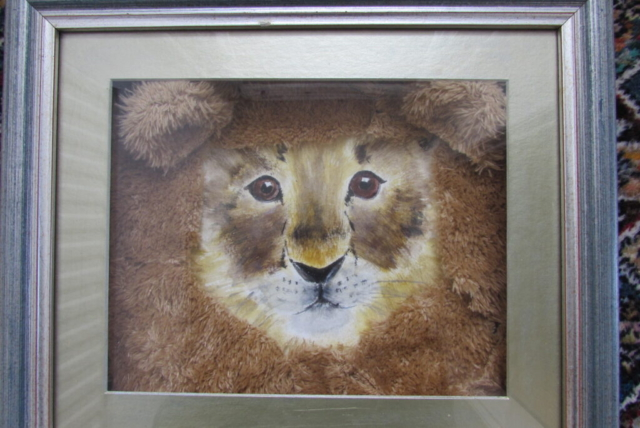 Image of lion with description 'A joint artwork is a nice way to connect'.